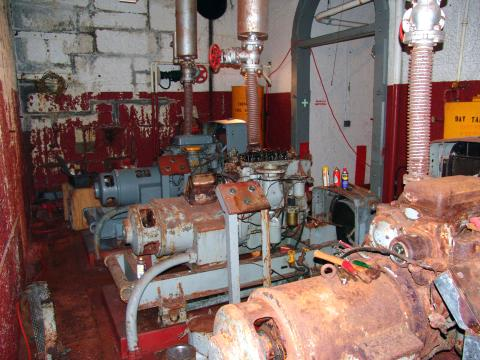 St. George Reef CA Air Compressors 2005 Kent Weymouth.jpg