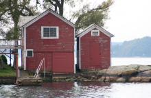 Croossover Island Boat House TAT 2009.jpg